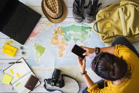 Elementi essenziali in un viaggio: cosa non deve mancare mai quando viaggi