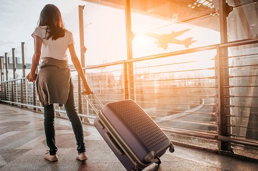viaggiare da sola dove  viaggiare da sola dove andare  viaggiare da sola consigli  viaggiare da sola europa  viaggiare da sola andare  viaggiare da sola partire  viaggiare da sola cosa fare