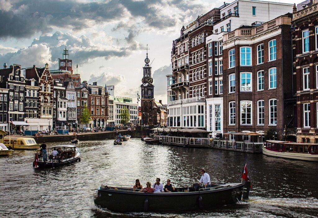 viaggi in europa offerte   viaggi in europa da fare   viaggi in europa in treno  viaggio in europa europa on the road viaggi in europa