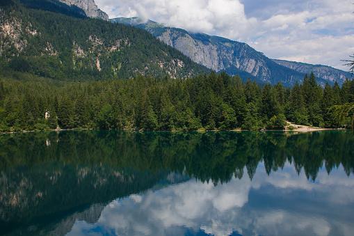 lago di tovel  lago di tovel rosso  lago di tovel come arrivare  lago di tovel trentino
