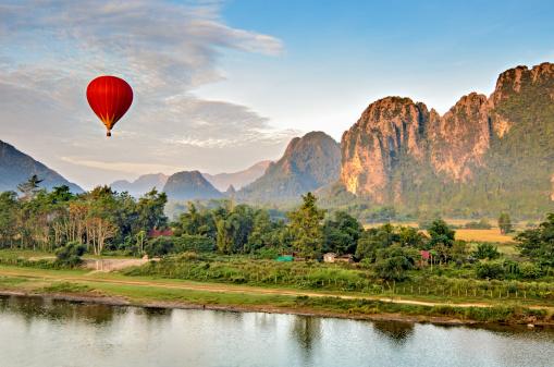 Nam Song  Vang Vieng laos luoghi economici da visitare posti economici da vedere