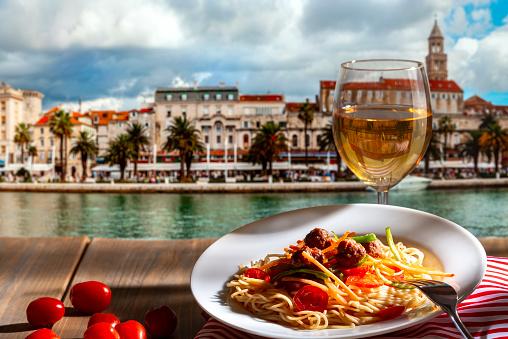 spalato croazia mare dove andare   croazia turismo   croazia hotel   croazia luoghi di interesse   croazia isola di pag