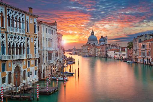 prezzo gondola venezia  gondola venezia prezzi  Gondole Venezia