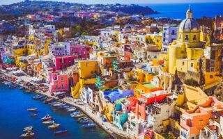 Procida, Capitale della Cultura 2022: cosa vedere, spiagge, mitologia