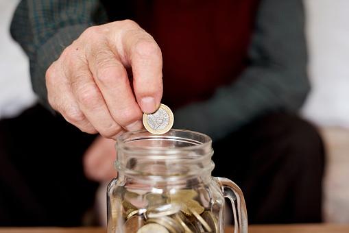 come risparmiare come risparmiare soldi come risparmiare sulla spesa come risparmiare soldi ogni giorno come risparmiare sui voli come risparmiare soldi ogni mese dove mettere i risparmi risparmiare su tutto come gestire i soldi metodo di risparmio quanto risparmiate al mese quanto risparmiare al mese