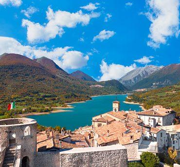 Abruzzo posti da visitare particolari, dove ti sembrerà di stare in un'altra parte del mondo