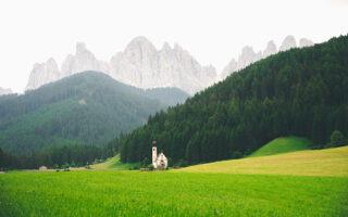 Val di Non: vacanza rurale e paesaggi montani